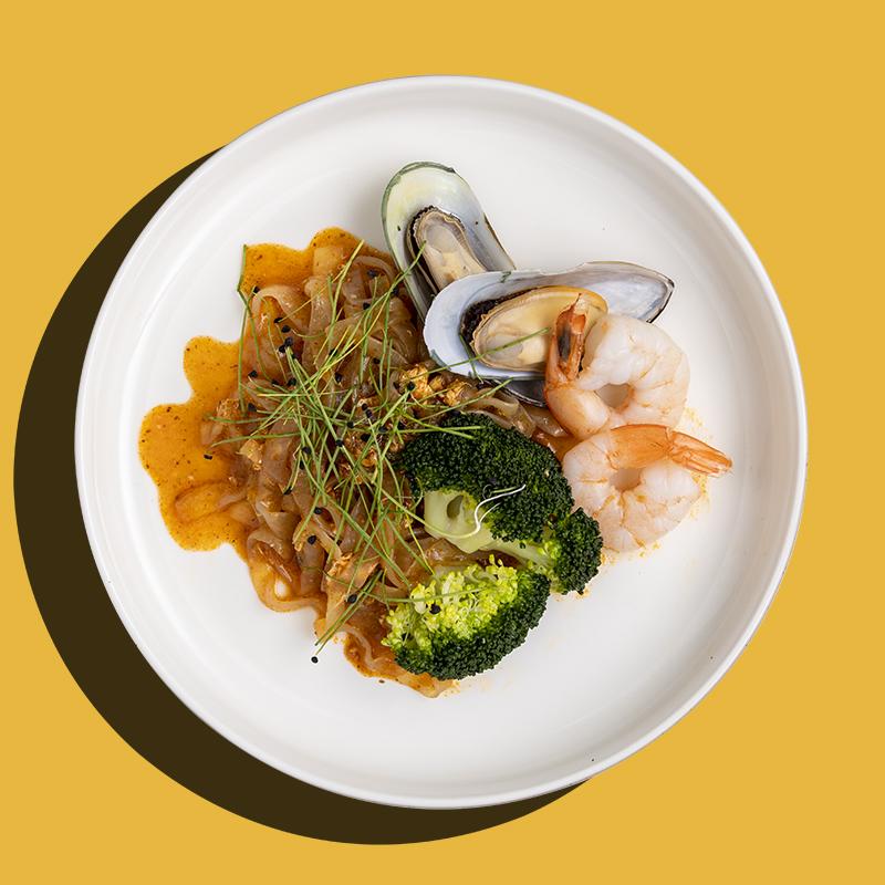 Chilli Crab Shirataki Seafood Noodle (Keto-Friendly)